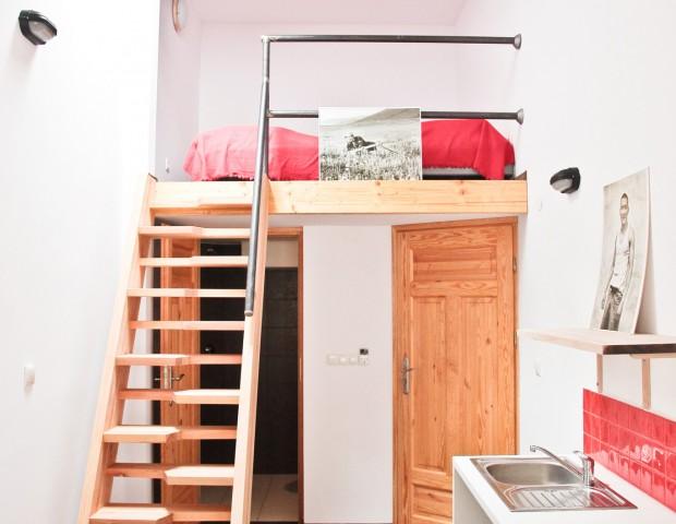 Apartament dwuosobowy z sypialnią na antresoli
