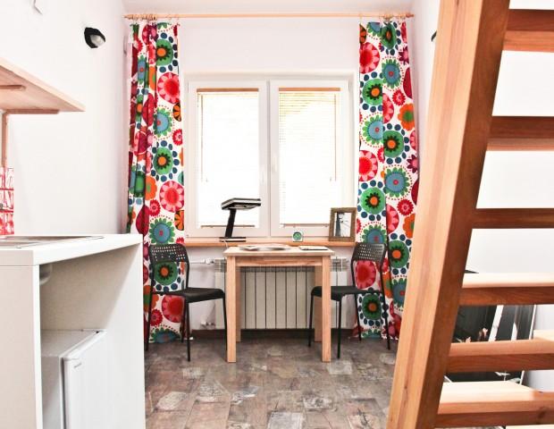 Apartament dwuosobowy w Warszawie z aneksem kuchennym
