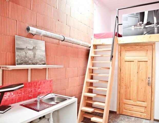 Studio w Warszawie dla dwóch osób z aneksem kuchennym