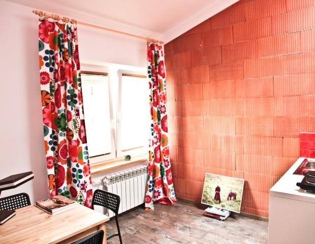 Apartament czteroosobowy z sypialnią na antresoli