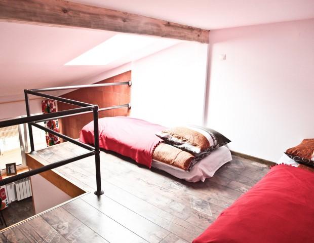Pokój dla czterech osób z sypialnią na antresoli