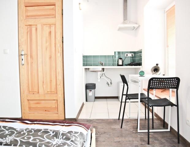 Studio dla dwóch osób z własną łazienką i aneksem kuchennym