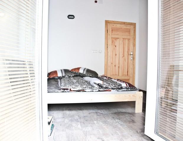 Dwuosobowy apartament z aneksem kuchennym i łazienką